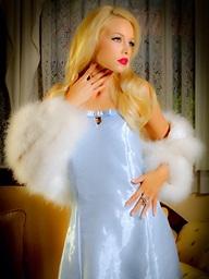 Brea Bennett Jana Jordan - Classic Stunner