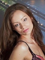 Sophie Lynx 001