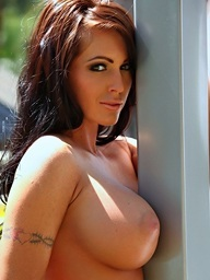 Jenna Presley acquires in nature's garb..