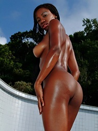 Black girl Aline puts her swimwear off and..