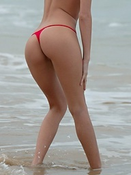 Redhead babe in red bikinis Leanna showing..