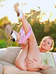 Attracting teen Regina effectuation hot in..