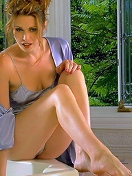 Foxes.com: Aimee Appealing - Perforated Nipps Racy Flout Jacuzzi