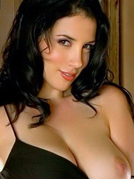 Foxes.com: Jelena Jensen - Bigtits Mommy Less Natural Funbags